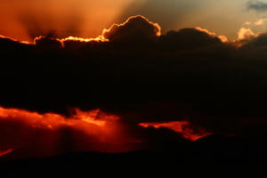 Mountainous Sunset: I couldnt resist uploading this dramatic sunset...