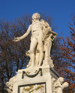 mozart: The sculpture of Mozart in Vienna