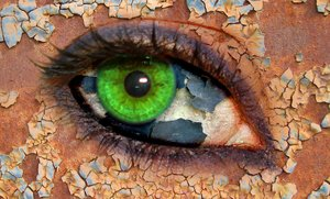 cracked eye: my version of a cracked eye, big thanks to gokc27 for the eye, klsa12, and branox for the textures