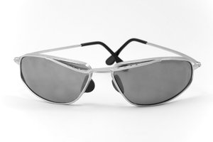 Sun-glasses: Old sun-glasses with silver frame