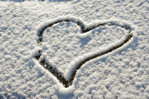Heart on the snow: No description