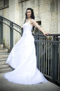 Te: Tera in a wedding gown.