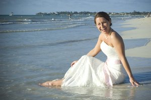 Trash the dress.: Trashing the dress in Jamaica