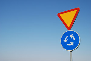 Traffic Sign 12: Part of Traffic Sign Series consisting of 29 traffic signs captured in Sweden, all with a blue sky or partly cloudy background.Check out all my traffic signs:http://www.sxc.hu/browse. ..