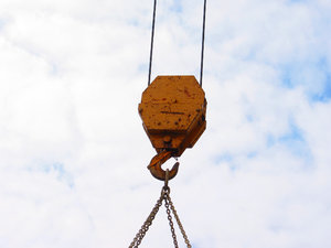 Heavy Hook: Construction crane hook.