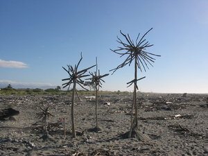 Beach Sculpture: Beach sculpture in Hokitika, New Zealand