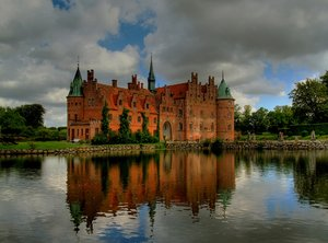Castle in HDR: The castle Egeskov