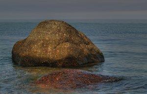 Gratis stock foto 39 s rgbstock gratis afbeeldingen grote steen in het water johnnyberg - Zomer keuken steen ...