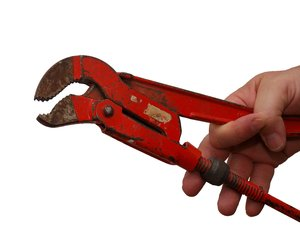Handheld wrench