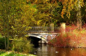 Autumn park'n bridge