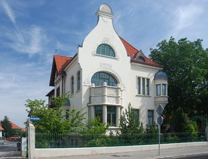 Art Nouveau house Blankenburg: Art Nouveau is an international movement and style of art and architecture. Peaked in popularity at the turn of the 20th century (1890&acirc;1905). Art nouveau is is also known as Jugendstil.