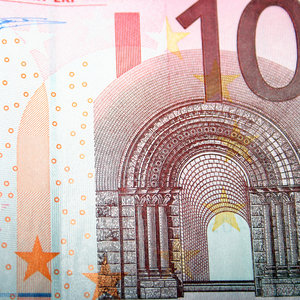 10 euros: 10 euros bills