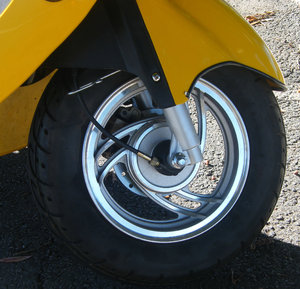 yellow scooter: parts of yellow scooter