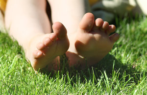 feet in the Grass 2