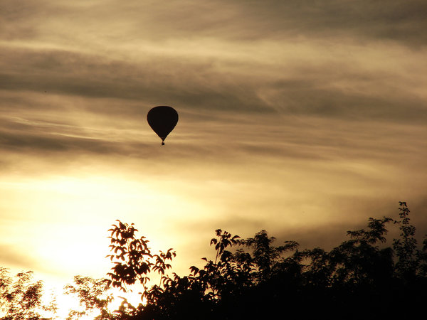 balloon at dusk 3