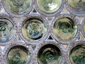 bull's eye pane  - glass round: bull's eye pane  - glass roundel window texture