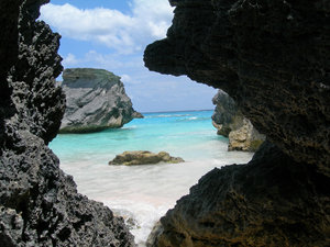 Bermuda Beach: Horseshoe Bay in Bermuda. Comments would be appreciated.
