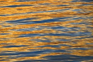 sunset on water: sunset reflection