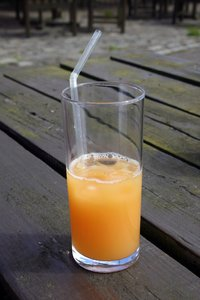orange juice: a glass of orange juice