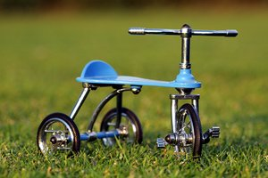 Tricycle on the grass 4