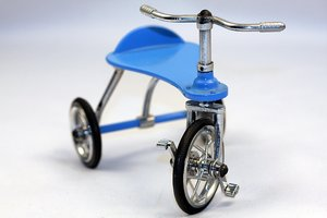 Tricycle miniature 5: Tricycle miniature