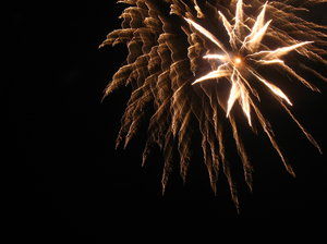 Fireworks 3: For fireworks lovers!Best impression in large view.Remember to be cautious with the real ones...[fm2]If you like this photo - feel free to comment! If you don't, you can also say so :) - all feedback will be used for better shots.