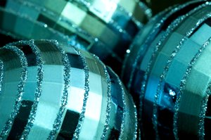 Christmas Ball Decorations: metallic reflective Christmas balls with glitter