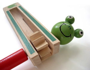frog: wooden toy