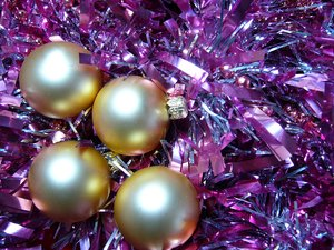Festive Sparkle 6: Merry Christmas to all SXC members! This series celebrates the colours, sparkle and joy of the festive season.To view all my Christmas-related photos click here: http://www.sxc.hu/browse.- phtml?f=advanced_search&q- 1=festive&q2=&q3=&cat=0&r- =3&xsize=0&y