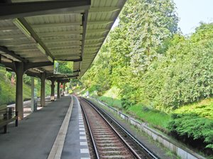 idyllic train station: idyllic train station