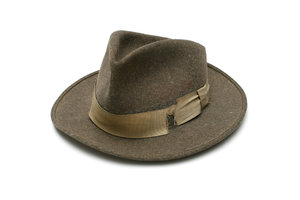 Old Hat: Visit http://www.vierdrie.nlObject dontated by: To Scheijen-Pieters
