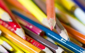 Pencil mikado: Old pencils stacked