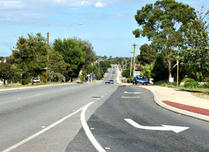 on the road again3: left-hand drive vehicles on Australian suburban roads