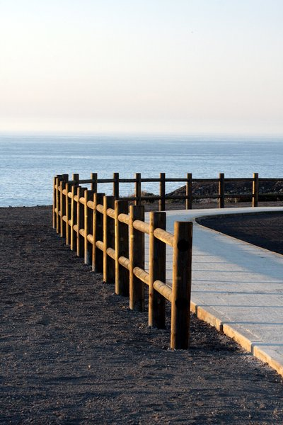 Fence to the ocean 2