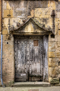 Vintage door s/n: Vintage door in the south-west of France, Midi-Pyrnes.