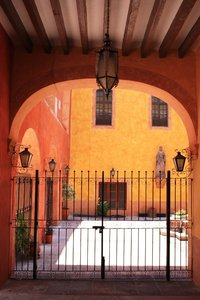 Mexican house: Mexican house large door