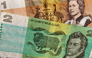 old Aus currency1: outdated low denomination paper currency notes no longer in circulation