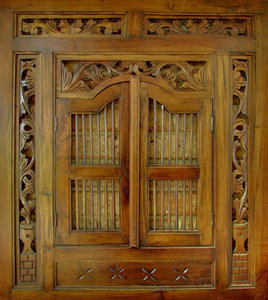 carved frame1