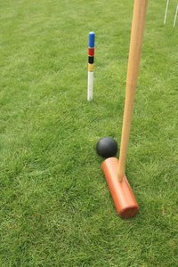Croquet: Croquet game and equipment