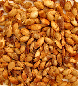 roasted and spiced1: bullk quantity of roasted and spiced pumpkin seeds