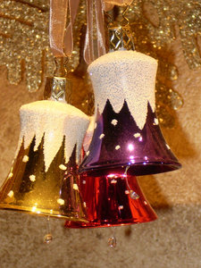 Holiday Bells: Bells to decorate for the Holiday
