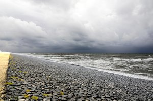 sea: Dutch shore