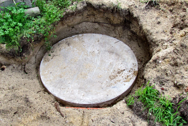 covered concrete soak well1: uncovered concrete soak well and lid