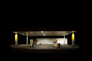 Gasstation by night: Edward Hopper in Zwolle (Netherlands) :-)
