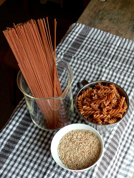 brown rice, pasta: wholegrain food: brown rice, pasta, spaghetti
