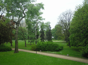 Park: A park in Warsaw.
