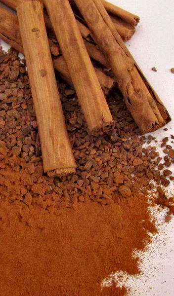 cinnamon flavour3: cinnamon spice in several forms