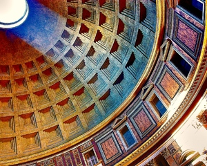 The Dome of Rome's Pantheon: View at the dome of Rome's Pantheon on the inside