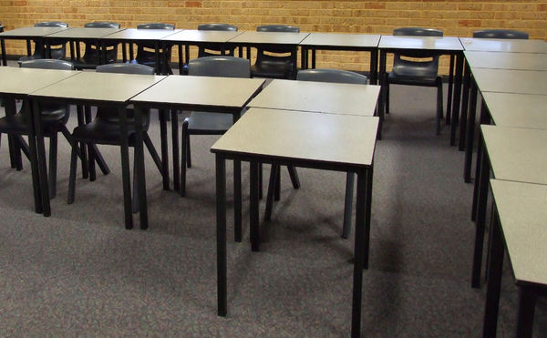 classroom desks: high school classroom desks and chairs