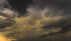 Storm Clouds: Dunckle clouds